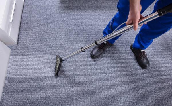 Rensing av tepper og møbler